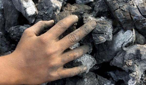 hand_on_coal